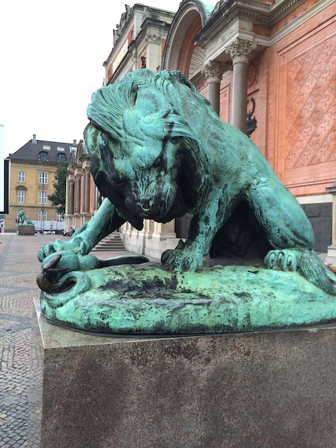 lion statue in Copenhagen