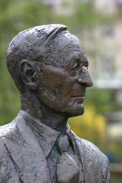 statue of Herman Hesse